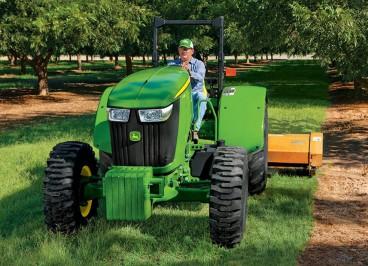 Трактор John Deere 5ML