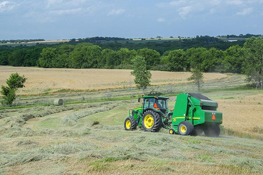 Новые тракторы John Deere