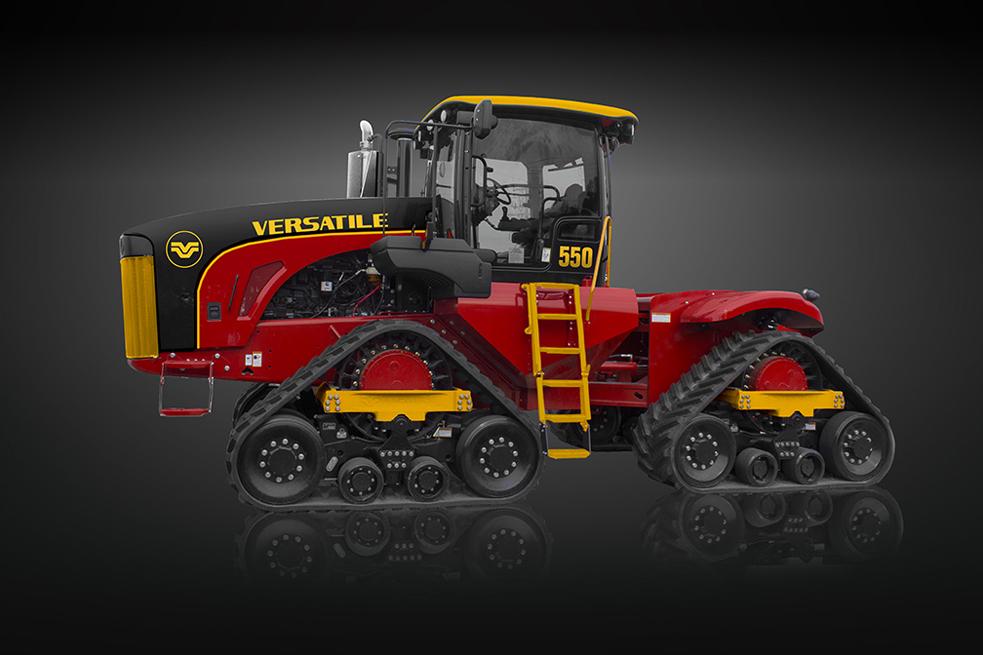 Новый трактор Versatile